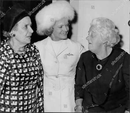 L To R Unknown Dame Anna Neagle And Margaret Rutherford