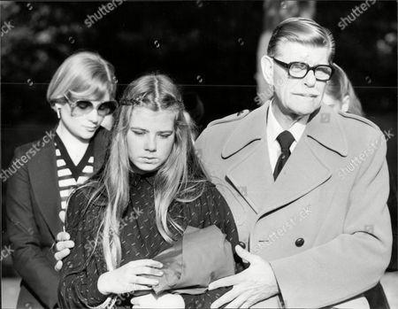 Deryck Guyler with Victoria De Wolfe, daughter of Hattie Jacques' Agent