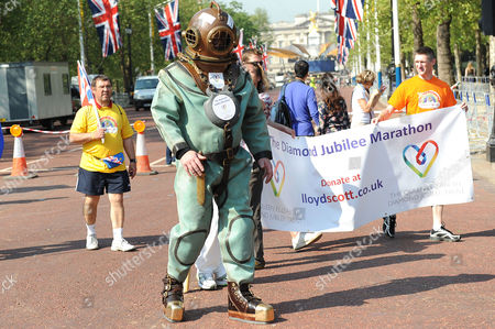Editorial picture of Lloyd Scott starts his Diamond Jubilee Marathon, London, Britain - 28 May 2012