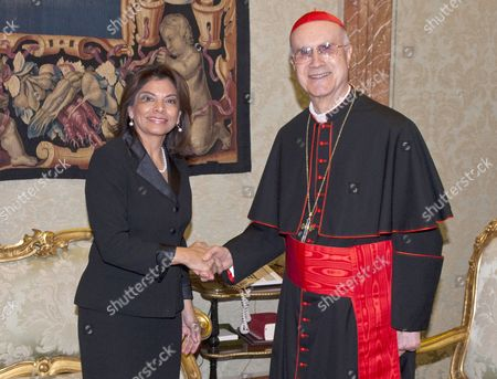 Laura Chinchilla, President of Costa Rica Republic and Cardinal Tarcisio Bertone