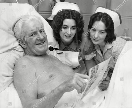 Comedian Ted Ray (died 11/77) In North Middlesex Hospital With Nurses Mary Lethbridge (r) And Anne Stirling After Being Badly Injured In A Car Crash. He Was Later Charged With Drink-driving.