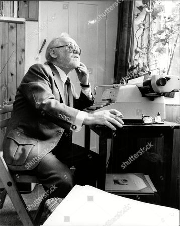 Actor And Comedian Charlie Drake At Work On His Typewriter - (died 12/06)