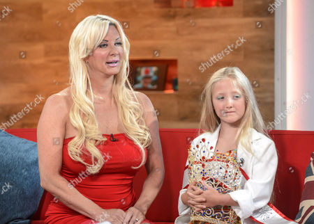 Sarah Burge and Daughter Poppy
