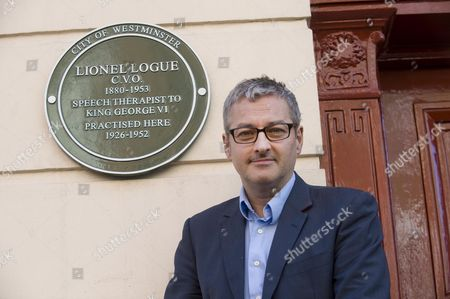 A Westminster City Council Green Plaque In Honour Of Lionel Logue The Speech Therapist To King George Lv Is Unveiled Today By His Grandson Mark Logue At 146 Harley Street Picture By Glenn Copus