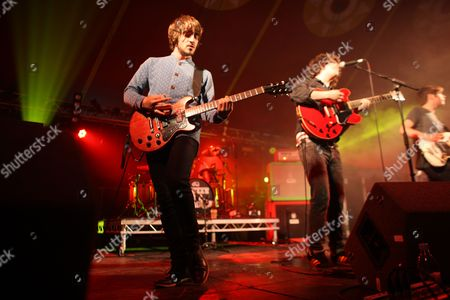 Pete Reilly (L), Kyle Falconer (C) and Kieren Webster (R) of The View