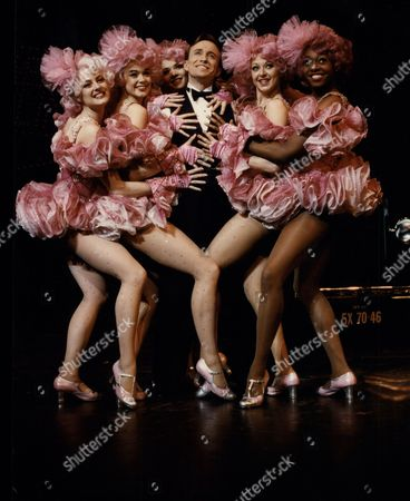 'crazy For You' Musical. Pictured At Rehearsal Are Kirby Ward & Ruthie Henshall In A Fred Astaire And Ginger Rogers Scene With Leggy Ladies Of The Chorus