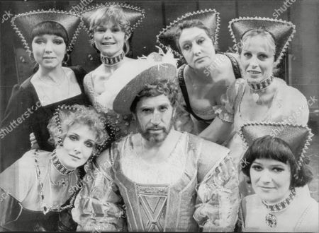 Editorial image of 'kings & Clowns' Musical Starring Frank Finlay As Henry V111. Left To Right; Elizabeth Counsell As Katherine Of Aragon; Dilys Watling As Anne Boleyn; Maureen Scott As Jane Seymour; Anna Quayle As Anne Of Cleves; Collet Gleeson As Katherine Howard;