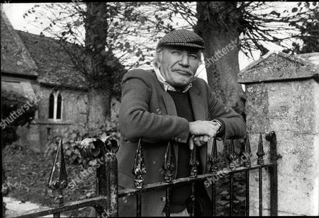 Actor Nigel Davenport In The Cotswold Village Of Condicote Near His Home