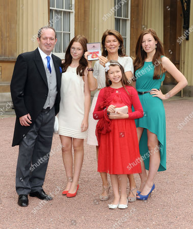 Alex Crawford receives an OBE for services to Broadcast Journalism - Alex Crawford and family
