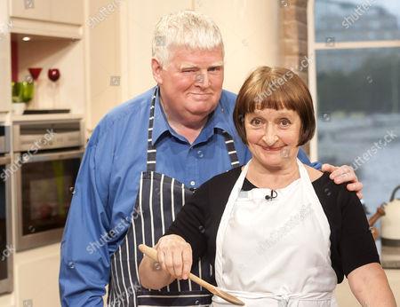 Stock Image of Janine Duvitski and Kenny Ireland