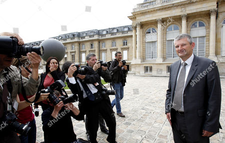Newly elected Socialist Party (PS) dissident MP Olivier Falorni arrives at the French national assembly
