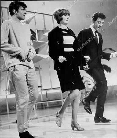 Cilla Black With Billy J. Kramer (l) And Lionel Blair Doing The 'kick' Dance Routine On The Eamonn Andrews Show - 1965