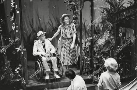 Stock Image of Donald Eccles Sian Phillips Mark Eden And Vanda Godsell In 'night Of The Iguana'