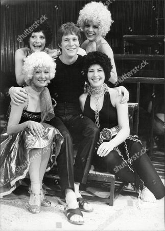 Paul Jones Actor And Singer With Pop Group Manfred Mann With Louise Kelly (top Left) Carolyn Allen (top Right) Lisa Westcott (bottom Left) And Francesca Boufon (bottom Right) Rehearsing For Revival Of Musial 'joseph And The Amazing Technicolour Dreamcoat'