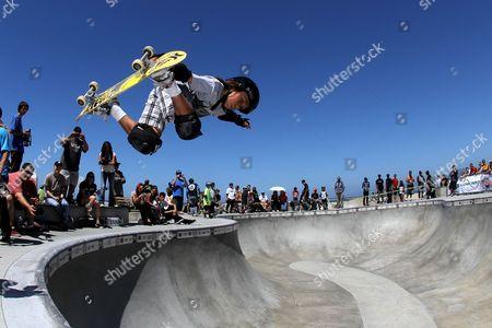 Asher Bradshaw - Skater skateboarding
