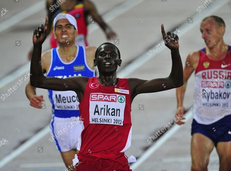 Turkey's Polat Kemboi Arikan wins men's 10 000 m final