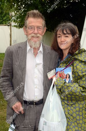 John Hurt and wife Anne Reese Myers的庫存圖片