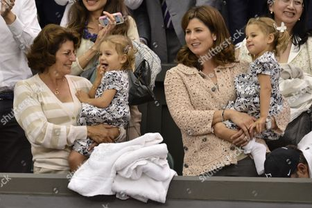 Roger Federer's family - Lynette Federer and Mirka Federer and children