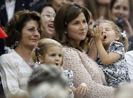 Lynette Federer and Mirka Federer