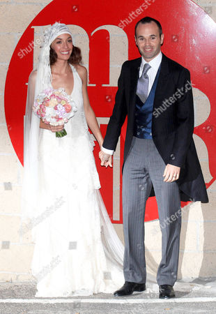 Anna Ortiz and Andres Iniesta