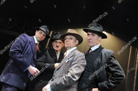David Sturzaker as Givola, Henry Goodman as Arturo Ui, Michael Feast as Roma and Joe McGann as Giri