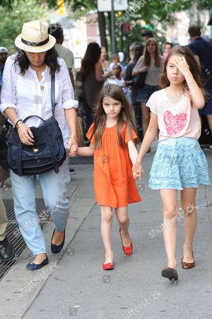 Jeanne Yang, Suri Cruise with child friend