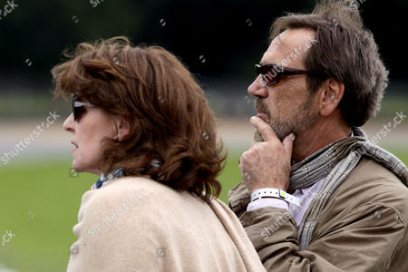 Robert Lindsay and wife Rosemarie Ford