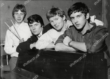 New Line-up For Pop Group 'the Searchers' In 1966 - (l-r) John Blunt Mike Pender John Mcnally And Frank Allen.