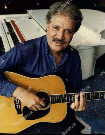 Singer And Composer Peter Sarstedt Peter Eardley Sarstedt (born 10 December 1941 Delhi India) Is An Anglo-indian Singer-songwriter And Multi-instrumentalist Who Has Recorded A Number Of Well-known And Successful Albums And Singles Since The 1960s.