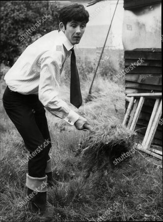 Frank Allen Guitarist With Pop Group 'the Searchers' Working At His New Home - 1966
