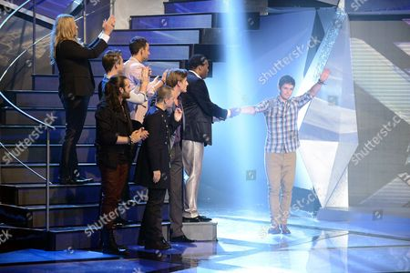 Niall Sheehy is eliminated and says goodbye to the remaining contestants