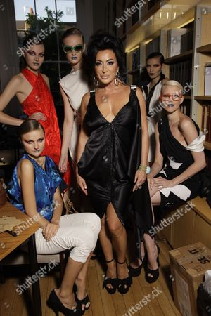 Nancy Dell'Olio and models backstage
