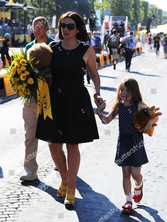 Stock Picture of Catherine Wiggins and daughter Isabella