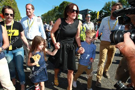 Catherine Wiggins with daughter Isabella and son Ben
