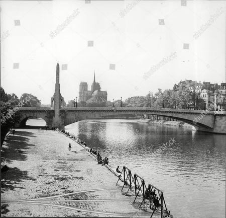 Pont De La Tournelle Tournelle Bridge English Editorial Stock Photo