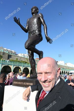 Steve Ovett with new statue of himself
