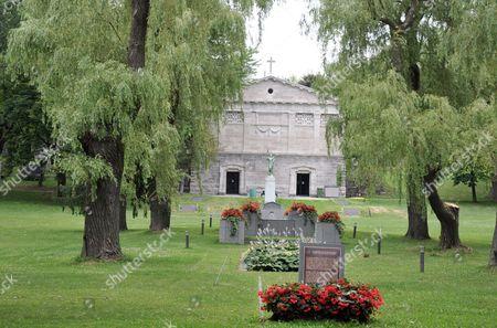 Côte des Neiges cemetery