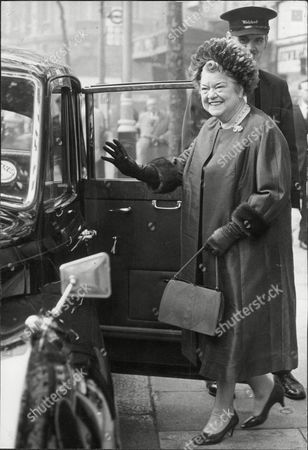 Stock Image of Violet Carson Actress. Leaving For Buckingham Palace To Receive Her Obe..