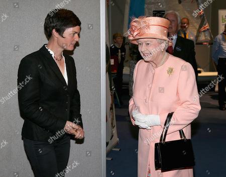 Queen Elizabeth II meets Ellen MacArthur as she visits Cowes Yacht Club