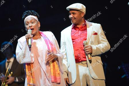 Omara Portuondo and Carlos Calunga