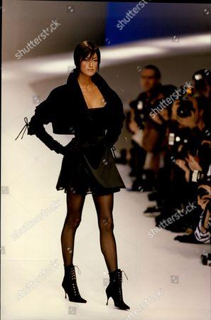Claude Montana Autumn/winter 1994 Fashion Collection - Paris - Cropped Jacket.
