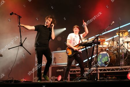 Stock Image of Matthew Murphy (left) and Tord Overland-Knudsen (right) The Wombats