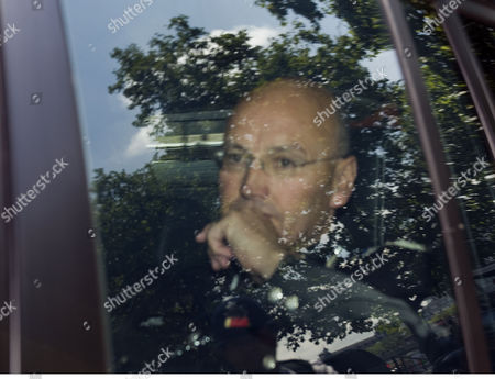Stock Image of Sir Paul Stephenson Arrives At The Inquiry Today Picture Jeremy Selwyn 19/07/2011.