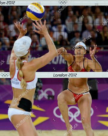 Jennifer Kessy and Misty May-Treanor - women's final