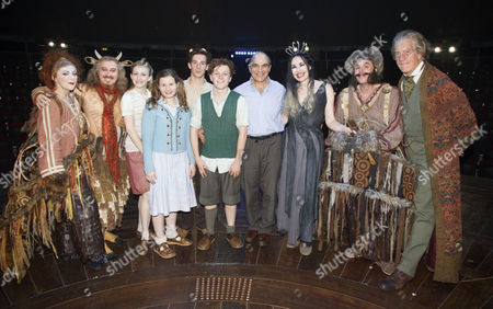 David Suchet (The Voice of Aslan), with cast members including Sophie Louise Dann (Mrs Beaver), Forbes Masson (Mr Tumnus), Carly Bawden (Susan Pevensie), Rebecca Benson (Lucy Pevensie), Philip Labey (Peter Pevensie), Jonny Weldon (Edmund Pevensie), Sally Dexter (The White Witch), Paul Barnhill (Mr Beaver) and Brian Protheroe (Professor/Father Christmas)