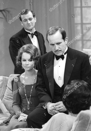 Moray Watson as Robert Caplan, Joanna Dunham as Freda Caplan and Ian Hendry as Charles Stanton
