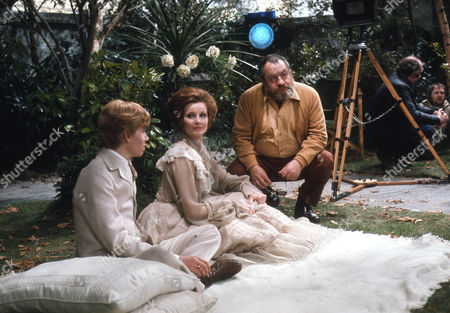Jason Kemp as Jack, Adrienne Corri as Dana and Leo McKern as Leo