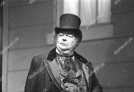 Stratford Johns as Rich man