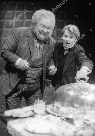 Stratford Johns as Rich man and Russell Lee Nash as Arthur
