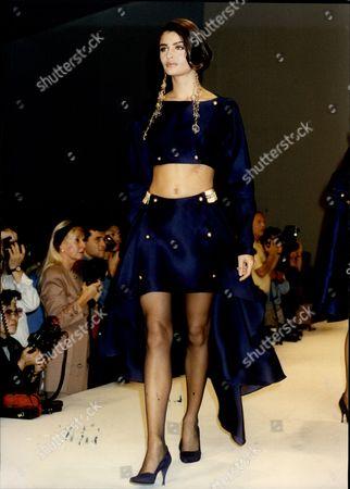 Fashion Women 1990 Model Helena Christensen On The Paris Catwalk Wearing Claude Montana.